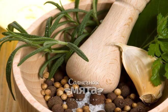 Душистый перец используется в цельном и молотом виде