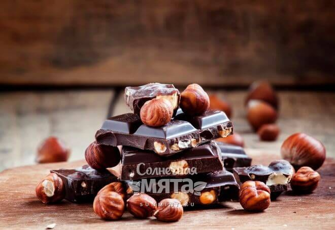 Фундук часто добавляют в шоколад