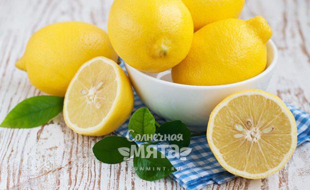 Лимон в тарелку и в чашку, на волосы и на кафель
