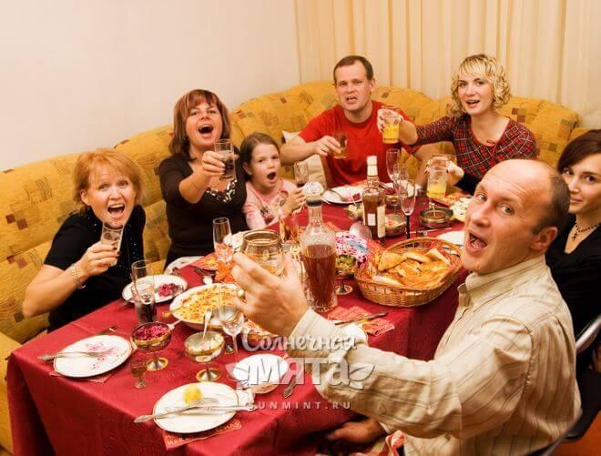 Семейное застолье, фото