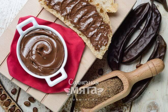 Из кэроба делают полезный шоколад