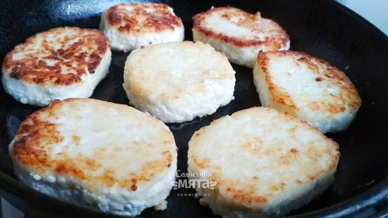 Сырники без яиц - Шаг 7