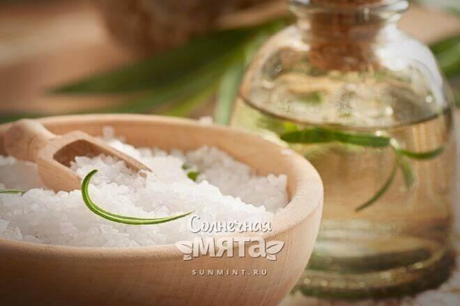Соль с водой лечат