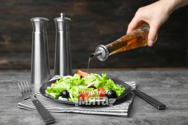 Уксус используют в кулинарии