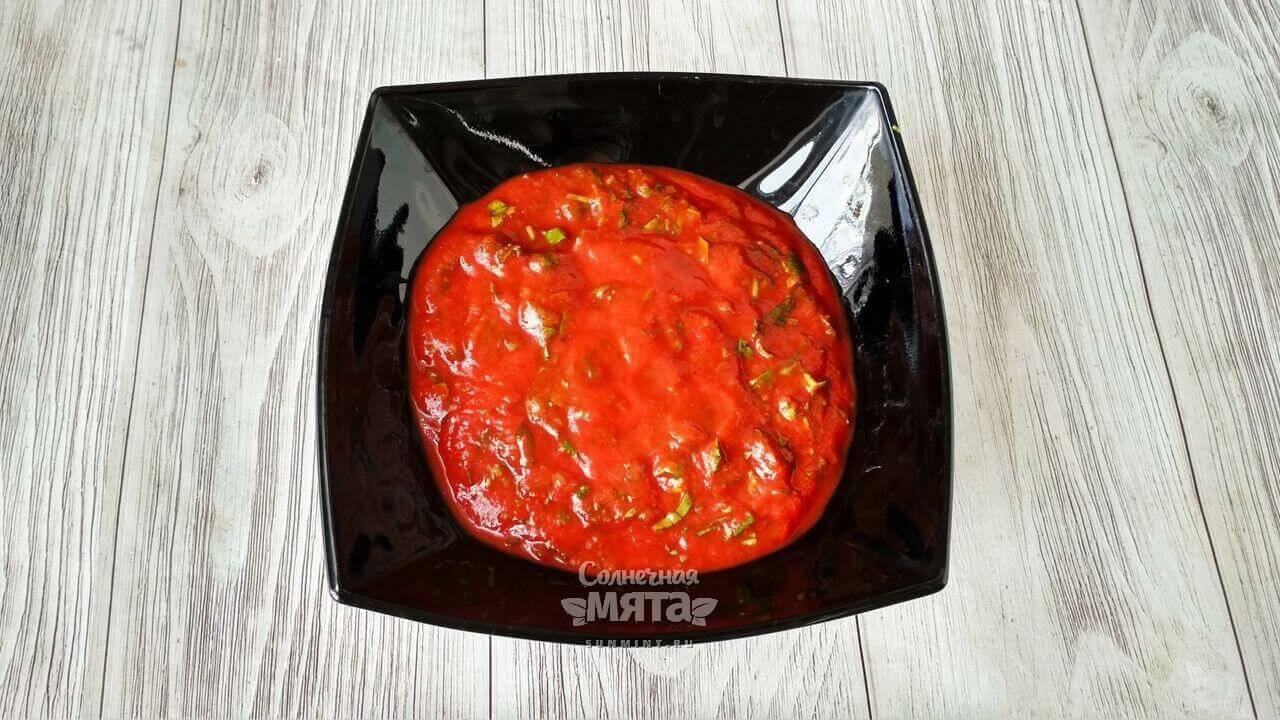 Соединяем все ингредиенты для соуса